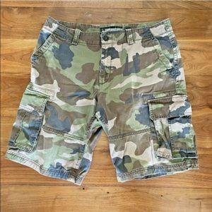 """Old Navy Sz 34 Cargo 11"""" Shorts Camo Green Pockets"""